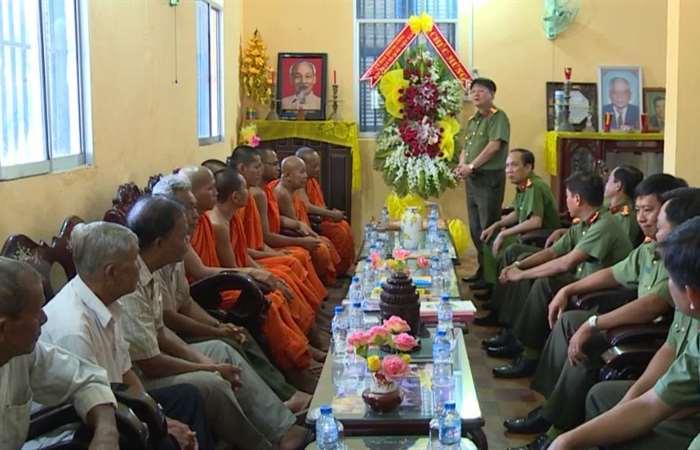 Giám đốc Công an tỉnh Sóc Trăng chúc Tết Chôl Chnăm Thmây