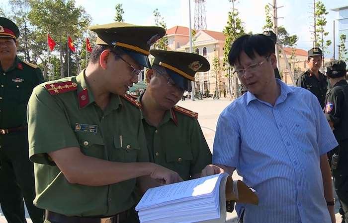 Kiểm tra tổng duyệt công tác đảm bảo an ninh, trật tự Lễ mittinh kỷ niệm 25 năm tái lập tỉnh Sóc Trăng.
